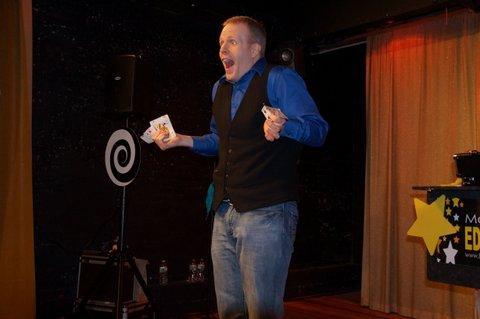 Family Magic Show - Lancaster Magician Eddy Ray